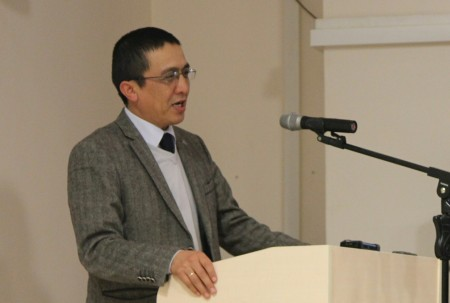 В Бишкеке прошла презентация первого на кыргызском языке учебного пособия по журналистике